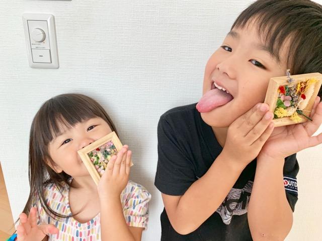 幼児にもできるフラワーアレンジメント!お花フレームの作り方